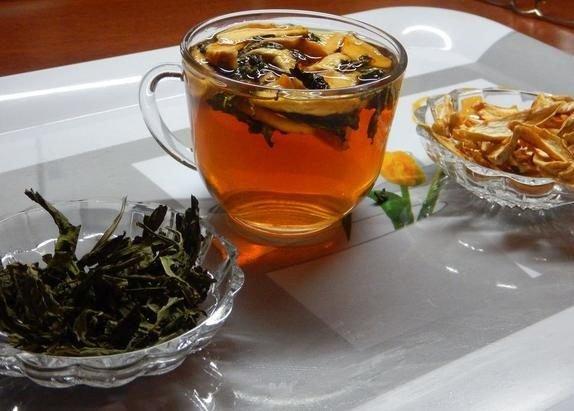 Чай с лемонграссом и яблоком