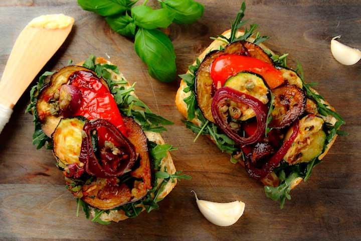 Бутерброд с запеченными овощами