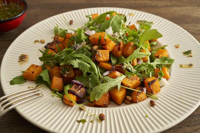Салат из жареной тыквы