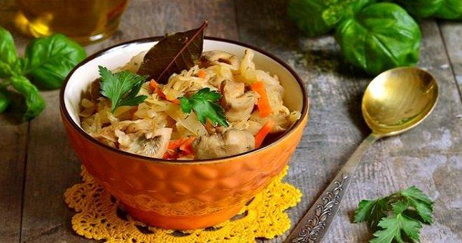 солянка из капусты с грибами и помидорами