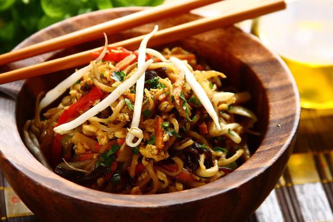 Китайская лапша, которая готовится 15 минут