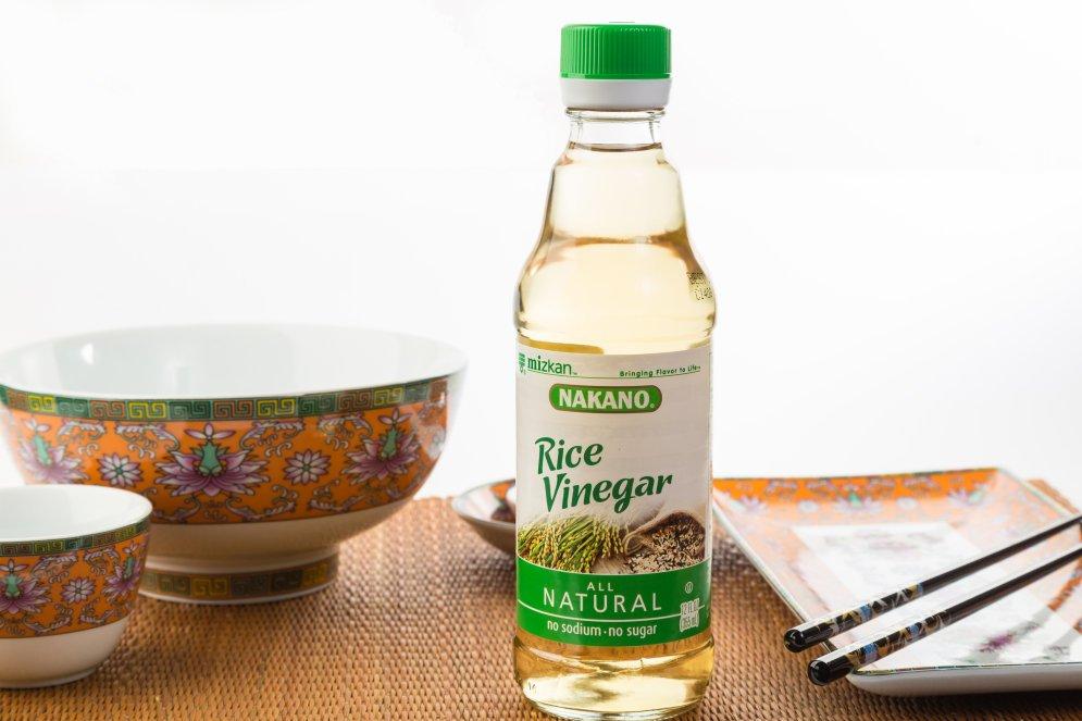 Рисовый уксус — как его использовать на кухне