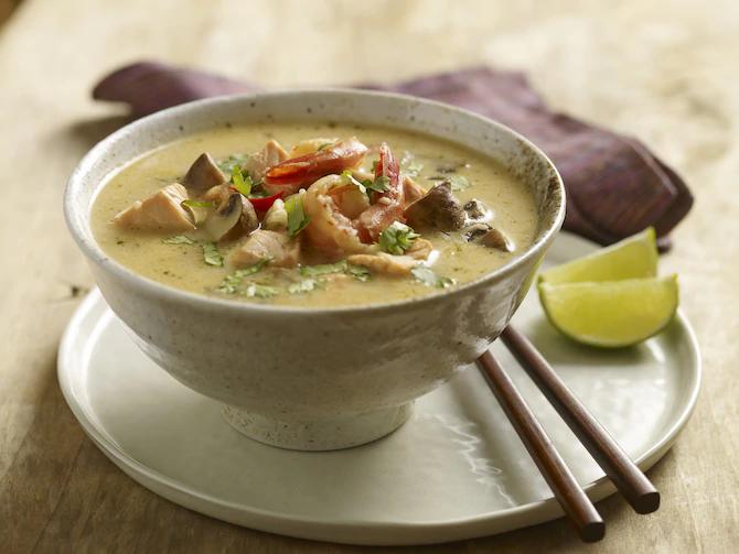 Тайский суп из морепродуктов