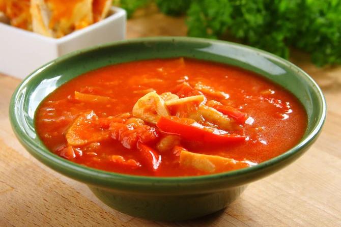 Испанский чесночный суп с гренками