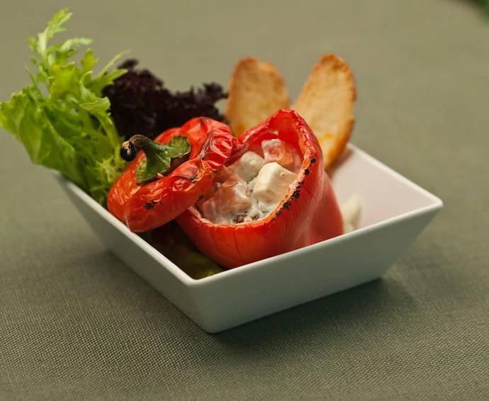 Сладкий перец, фаршированный сыром фета