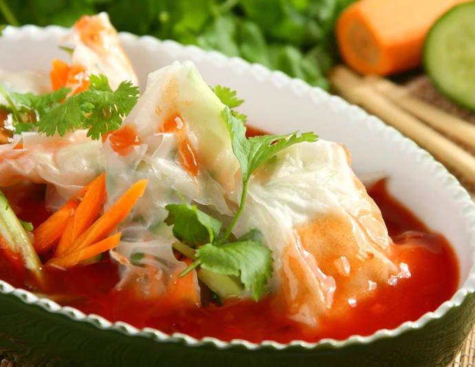 Азиатские конверты с овощами и рыбой