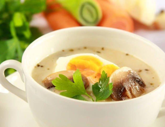 Кисло-ржаной суп с грибами — Журек