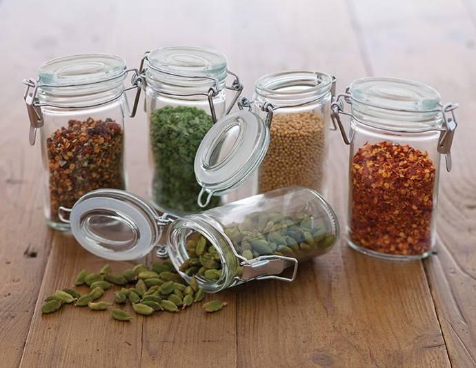 Травы и специи на кухне