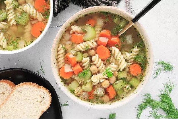 Веганский рецепт супа с лапшой из нута