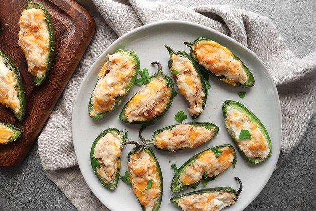 Рецепт халапеньо с начинкой из сыра и курицы